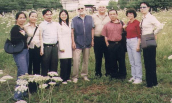 杨焕球先生简介(与俄美导舞照) - yhq5583525 - yhq5583525的博客